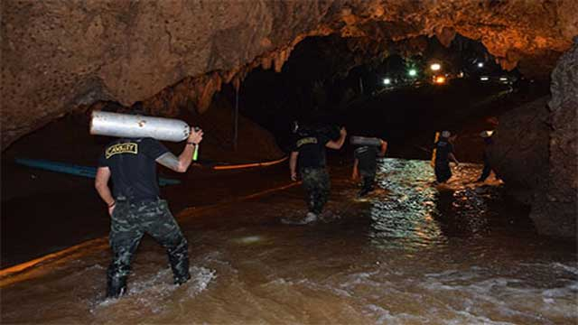 6 Thai boys rescued from cave