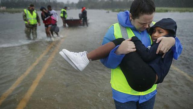 Hurricane Florence kills 5 in US