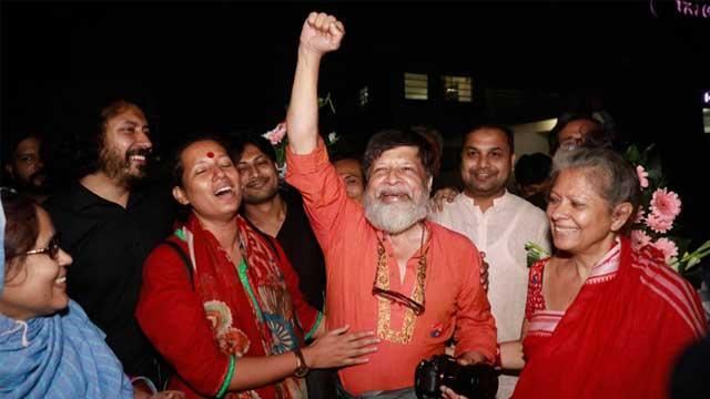 Shahidul Alam walks out of jail
