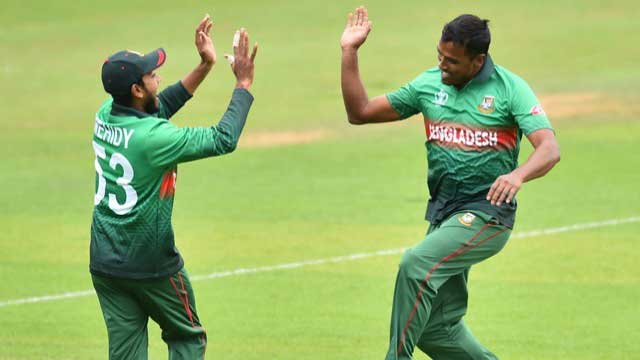 Fizz, Rubel strike as Bangladesh bowl