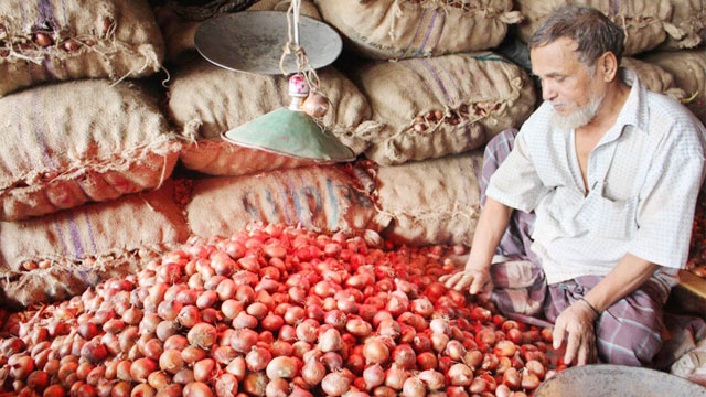 Onion price keeps soaring