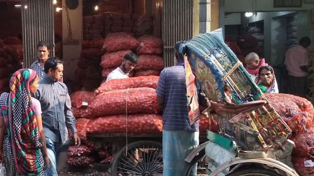Onion market heats up again