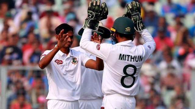 Battered and bruised Bangladesh make it to Day 3