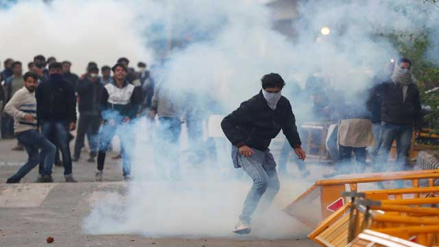 Violent protests rage in India for 4th day