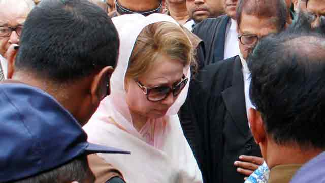 Govt seeks stay on Khaleda Zia's bail order