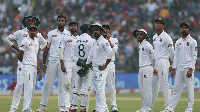 Cornered Tigers suffer innings defeat in first pink-ball Test