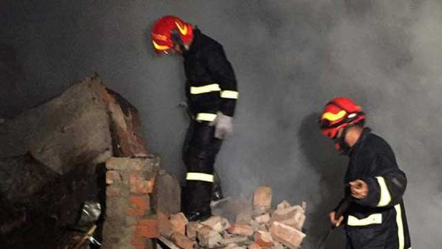 """BNP blames """"ruling party-backed miscreants"""" for slum fire"""