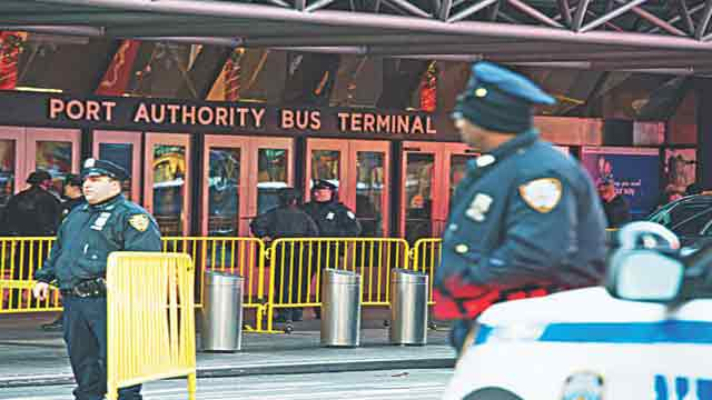 Manhattan subway explosion 'was attempted terrorist attack', says mayor