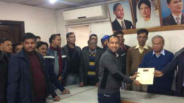 Tabith submits nomination to BNP for DNCC polls