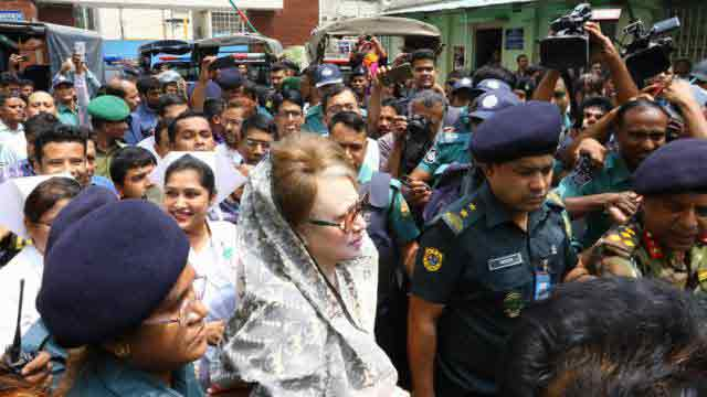 Khaleda Zia falls on ground following dizziness