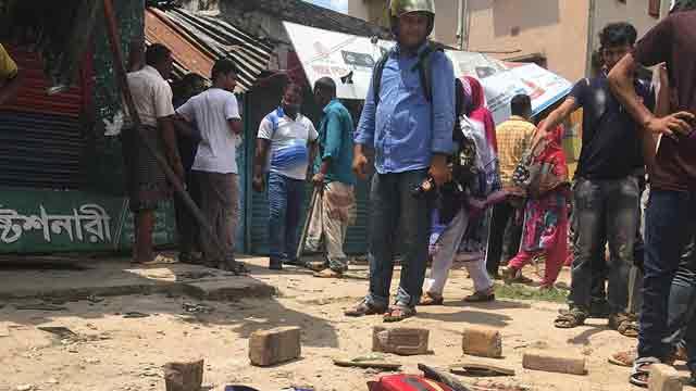3 killed as bus ploughs through shop