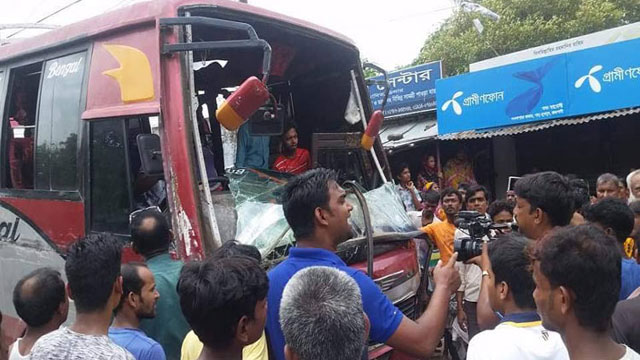 Bus driver held over Wednesday's road crash
