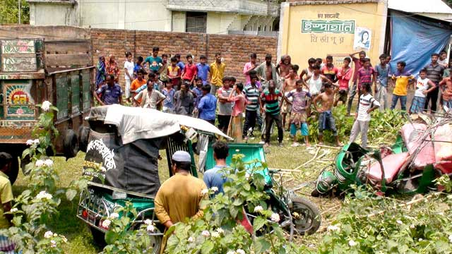 4 killed in Mymensingh road crash