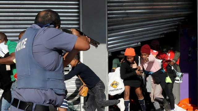 S Africa unrest claims 72 lives so far, violence spreads