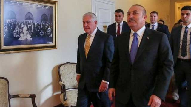 Syria conflict: US and Turkey agree to avert Manbij clash