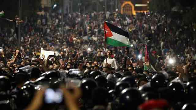 Amid protests, Jordan's King Abdullah expected to ask PM to resign
