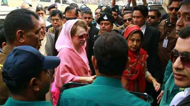 Khaleda Zia's lawyer asked to explain on keeping bail order with her in jail