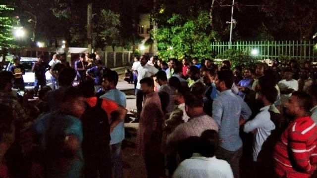 Students confine JU VC demanding her resignation