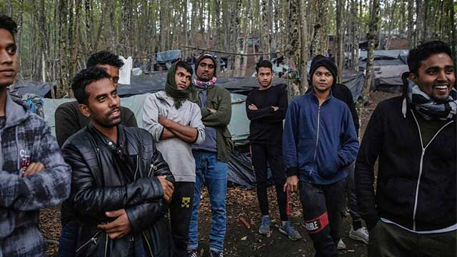 Bangladeshi migrants hoping to reach EU stranded in Bosnian woods