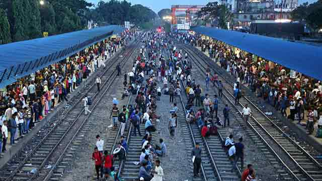 People suffer as trains delay, ferries disrupt
