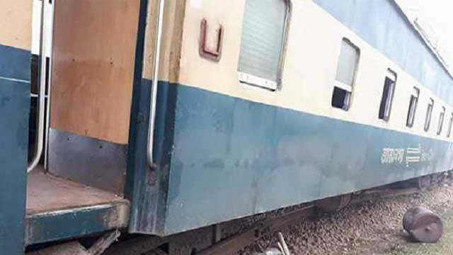 Derailment halts train communications on Ctg, Netrakona, Bhairab routes