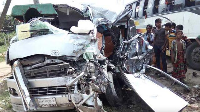 4 killed in Narsingdi road crash