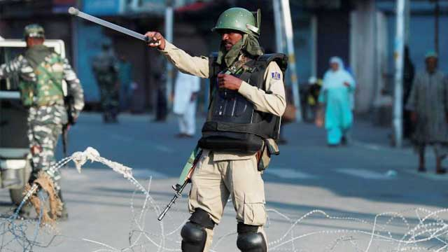 India increases restrictions in Kashmir