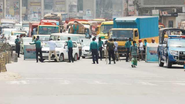 Police tough on shutdown violators in Dhaka