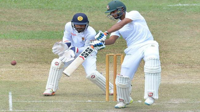Tigers bowled out for 513