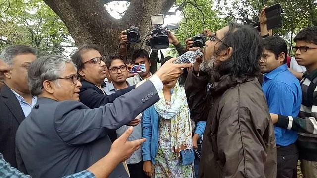 DU student breaks hunger strike after assurance on DUCSU polls