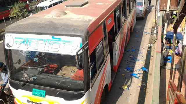Science college students vandalise 3 buses in Farmgate